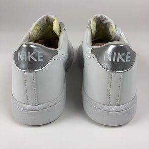 Nike Shoes - Nike Raquette White Trainer Retro Shoes 309980-101